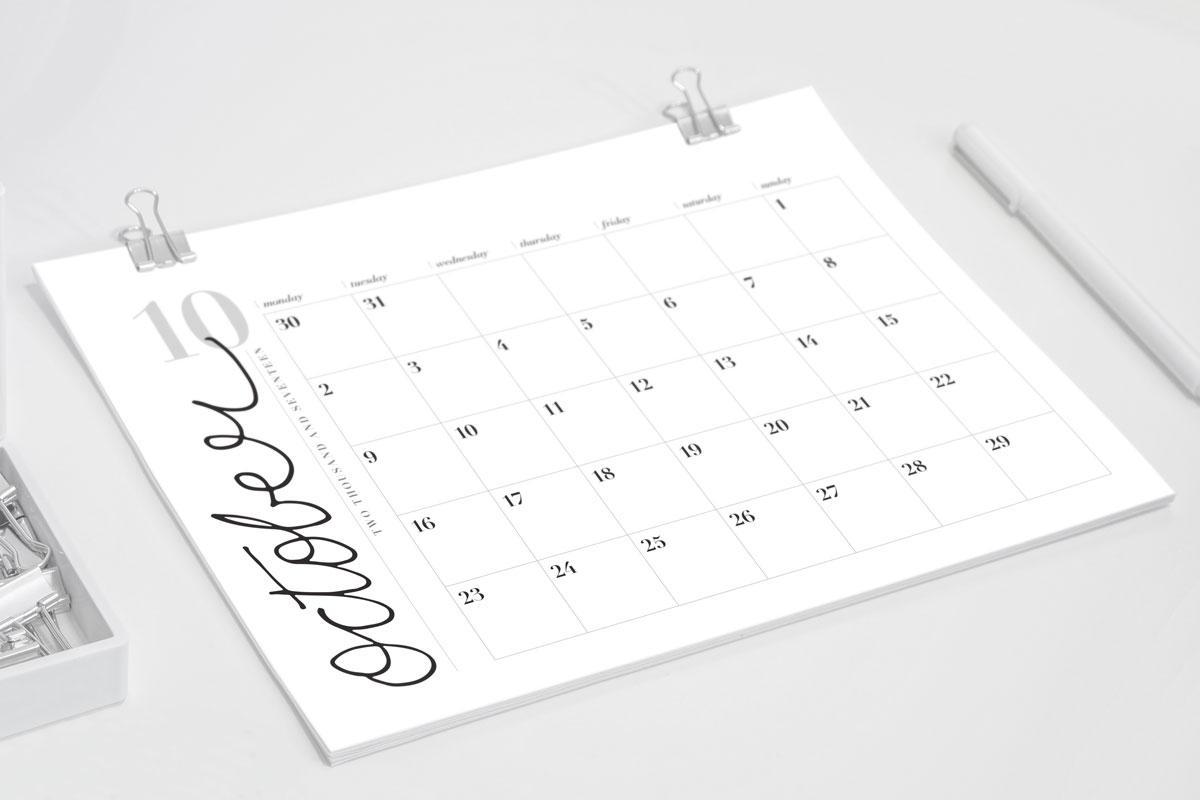 Calendar-2017-mockup-landscape-1